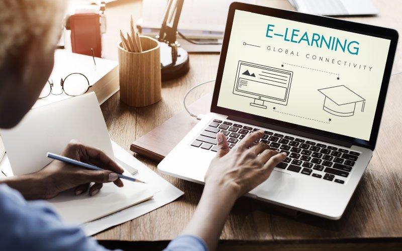آیا کلاسهای درس آنلاین نوید انقلابی در آموزش را می دهد؟