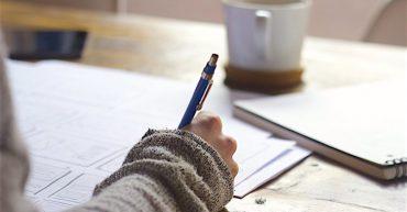 در این مطلب سعی میکنیم تا شما را با راهکارهایی برای امتحان writing آشنا کنیم تا به سمت موفقیت نزدیکتر شوید