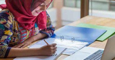 در این مطلب به بایدها و نبایدهایی که میتواند کمک حال کسانی باشد که درگیر درس خواندن در رمضان هستند پرداخته ایم تا در امتحاناتشان موفق شوند